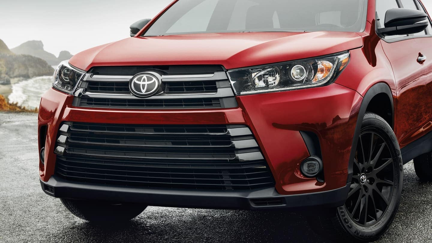 2019 Toyota Highlander in red close up