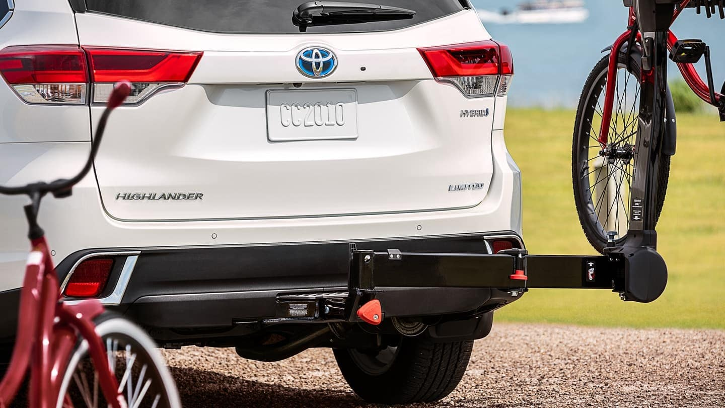 2019 Toyota Highlander Hybrid with tow kit