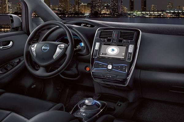2017 Nissan Leaf Safety