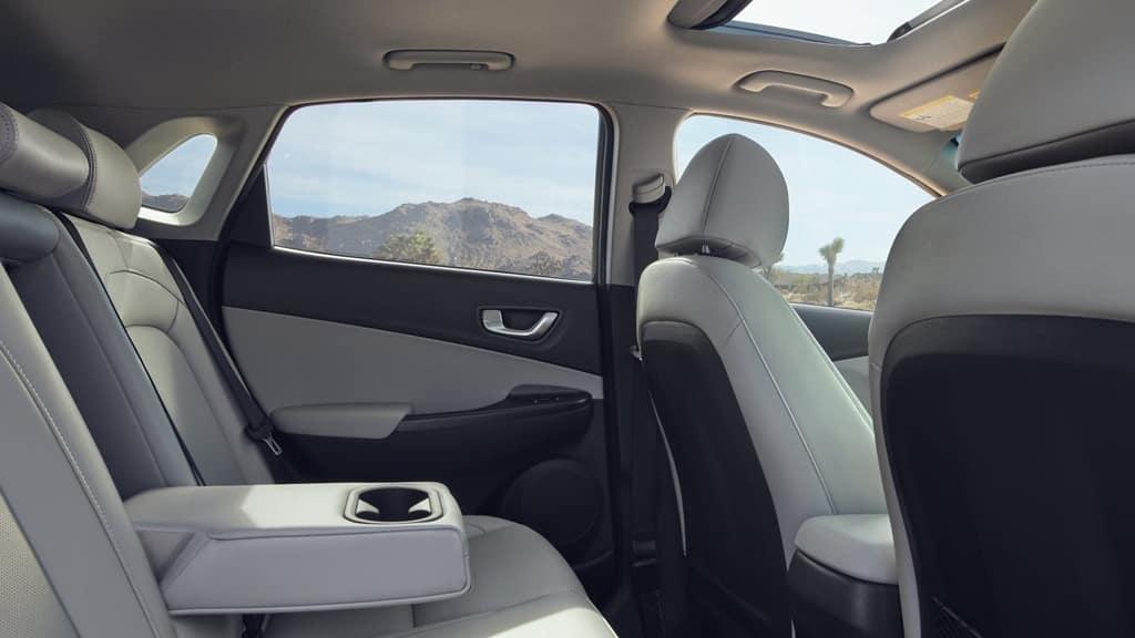 2022 Hyundai Kona sensing a car in its blind spot