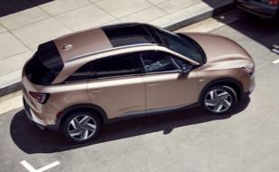 2021 Hyundai Kona sensing a car in its blind spot