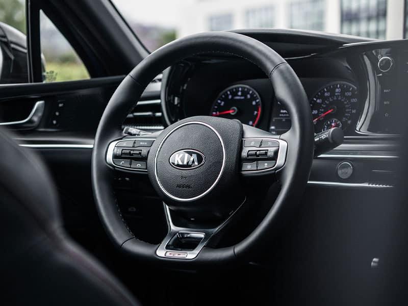 2022 Kia K5 interior comfort and technology