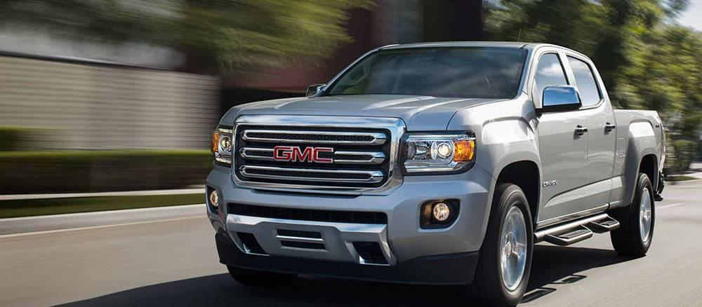 2017 GMC Canyon Driving