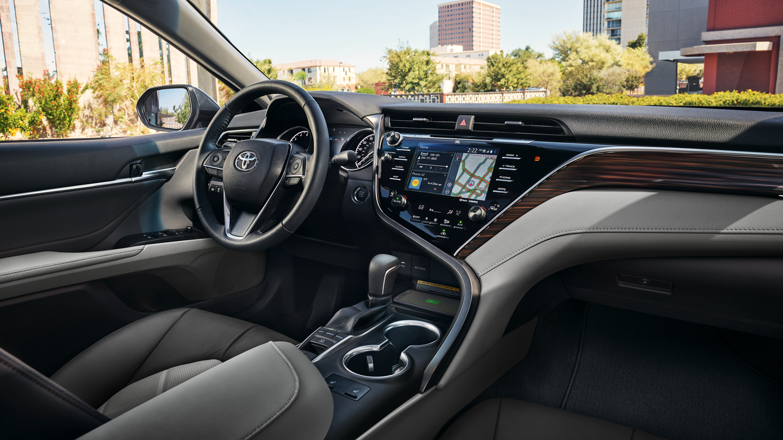 2018_Toyota_Camry_interior