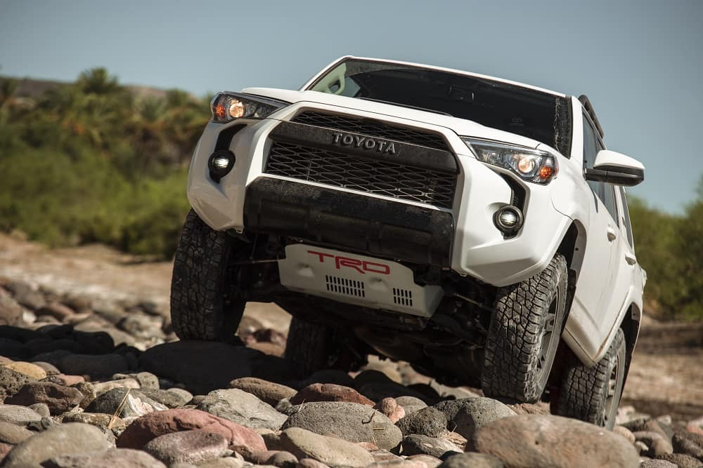 2019 Toyota 4Runner Off-Roading on Rocks