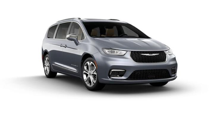 2021 Chrysler Pacific Pinnacle AWD in gray.