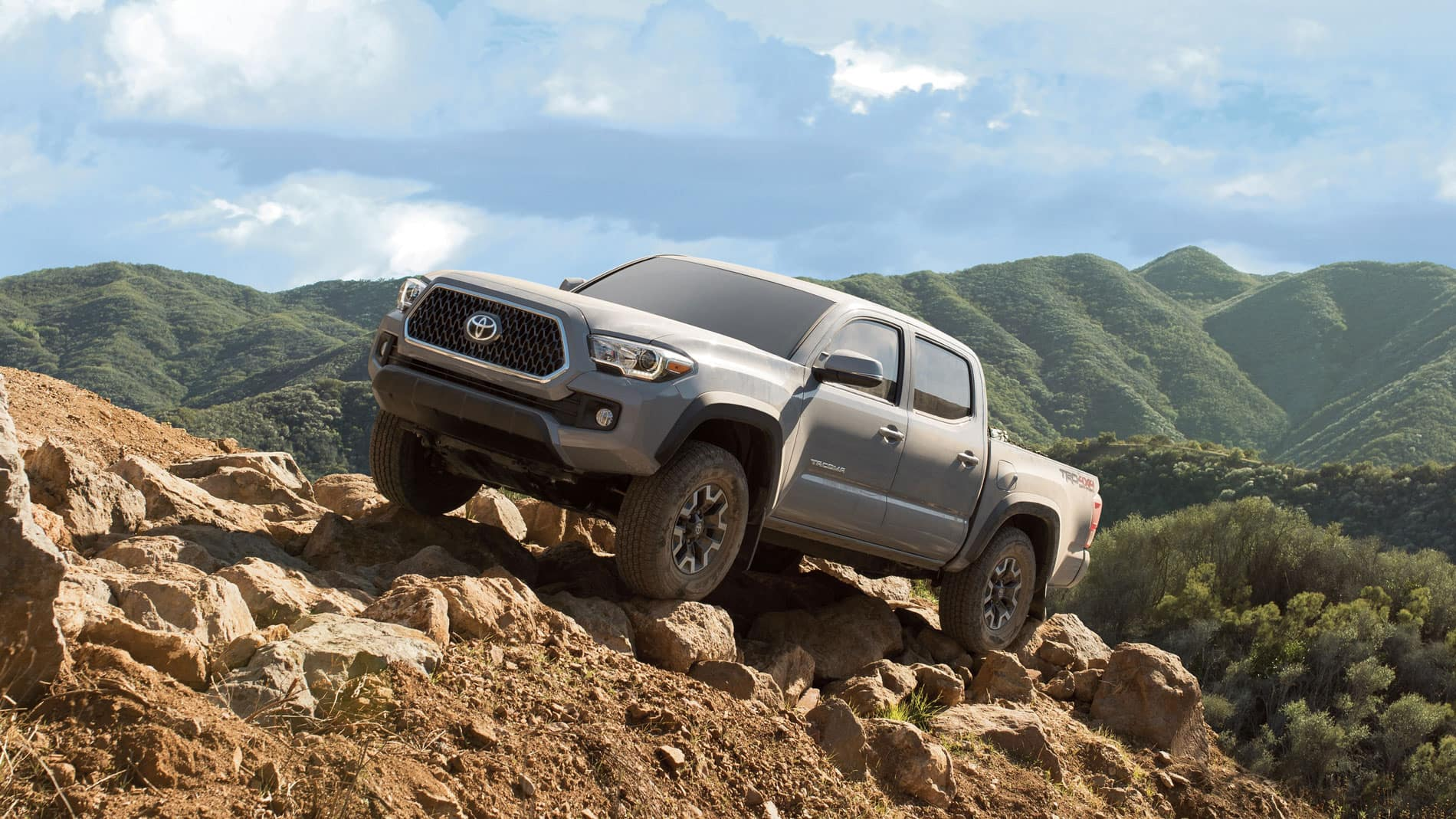 Honda Ridgeline Off Road >> Honda Ridgeline Vs Toyota Tacoma Midsize Pickup Throwdown