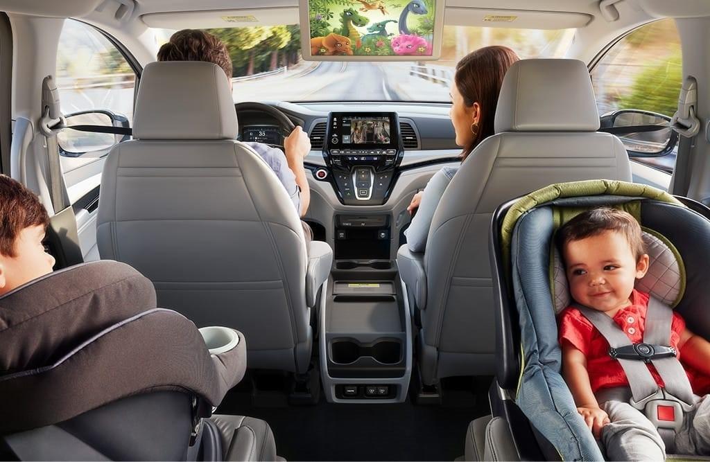 2018-honda-odyssey-minivan-interior-gainesville-fl