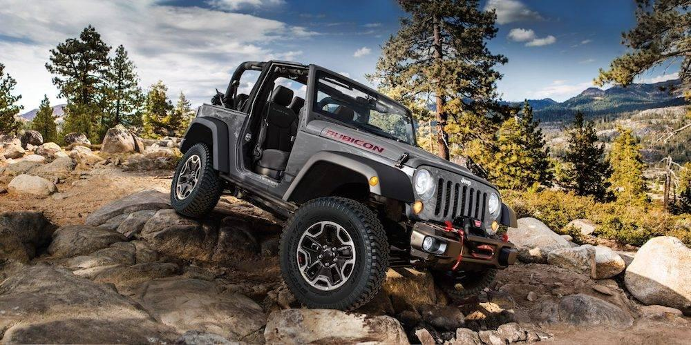 Keene Dodge Chrysler Jeep >> Essential Off-Roading Gear for Your Lifted Jeep | Keene Chrysler Dodge Jeep Ram