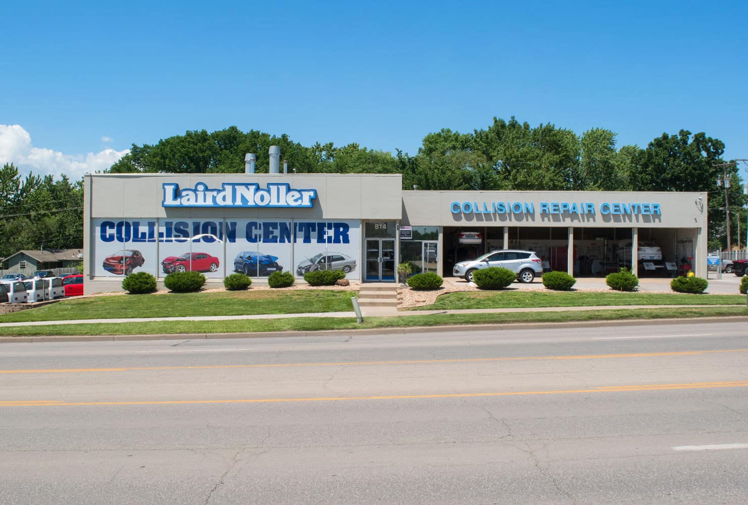 Laird Noller Body Shop in Lawrence