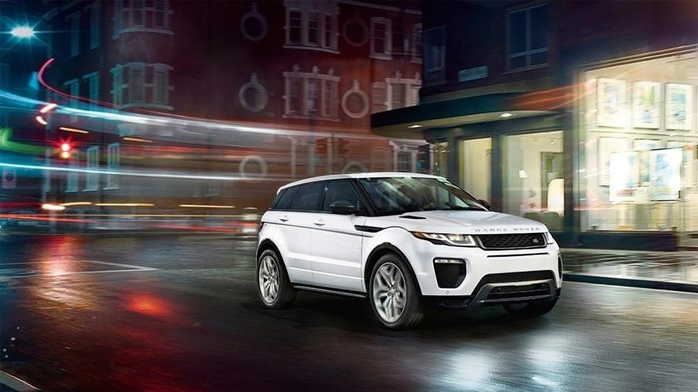 Range Rover Evoque in city