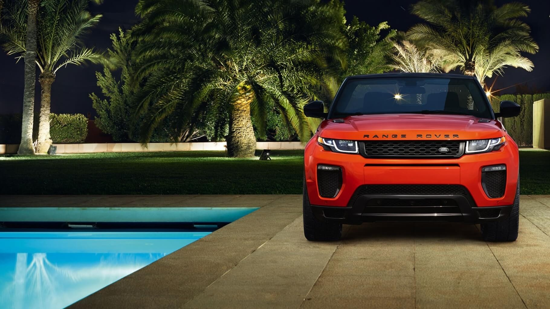 2017 Land Rover Range Rover Evoque Convertible Front End View