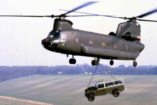 British Army Chinook carrying a Land Rover 109 Ser 3