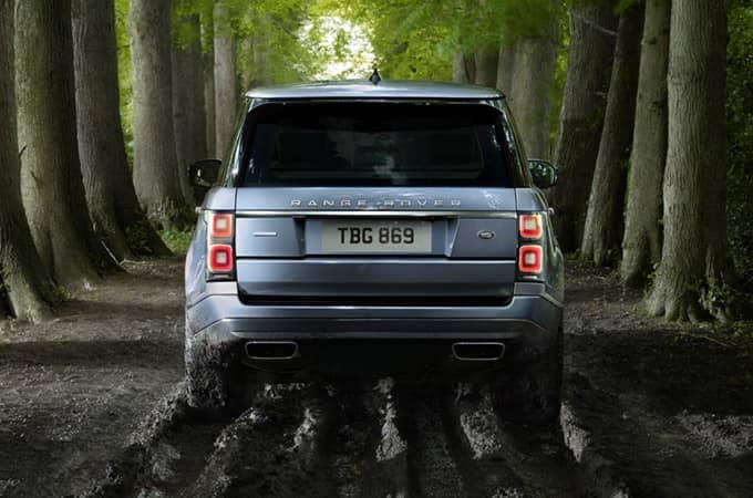 2018 Land Rover Range Rover Off-Roading