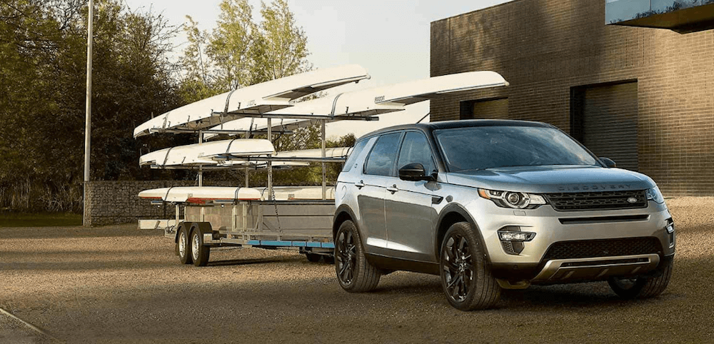2019 Discovery Sport towing canoes