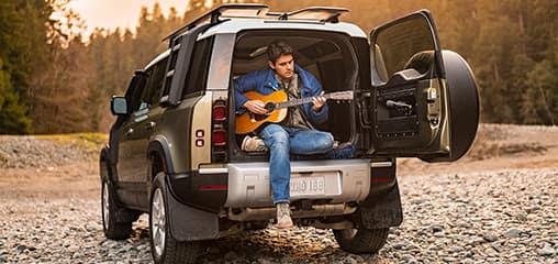John_Mayer_Guitar_Land_Rover_Defender