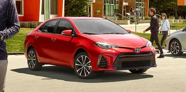 compare 2018 toyota camry vs corolla review tallahassee. Black Bedroom Furniture Sets. Home Design Ideas