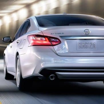 2018 nissan altima sedan rear exterior pearl white original