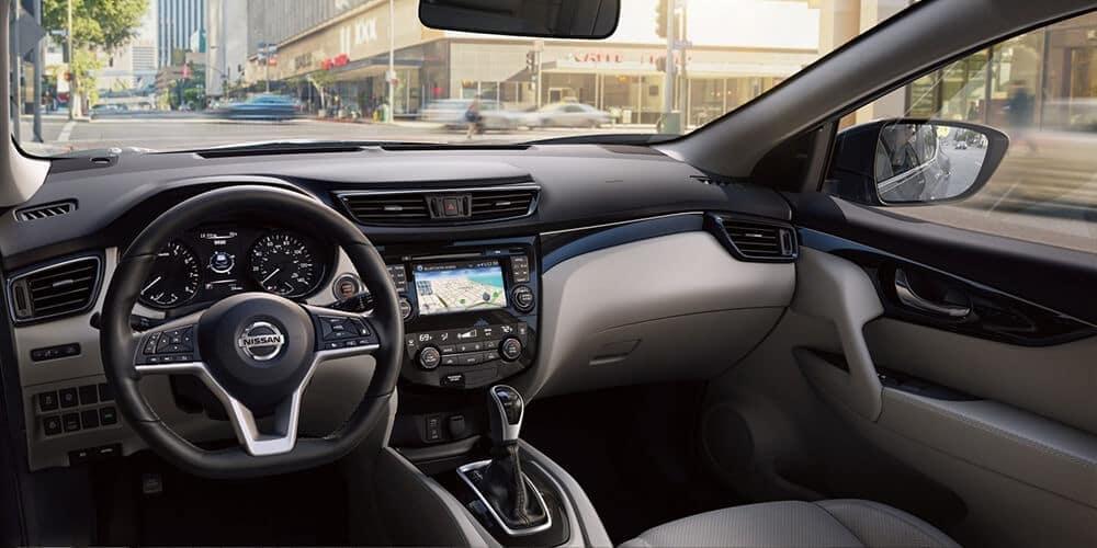 2018 5 Nissan Rogue Sport Interior design front