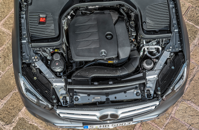 Engine on the Mercedes GLC