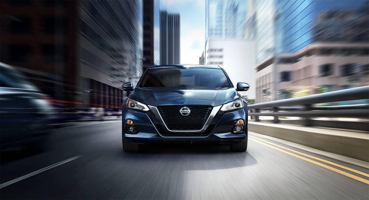 2019 Nissan Altima front exterior
