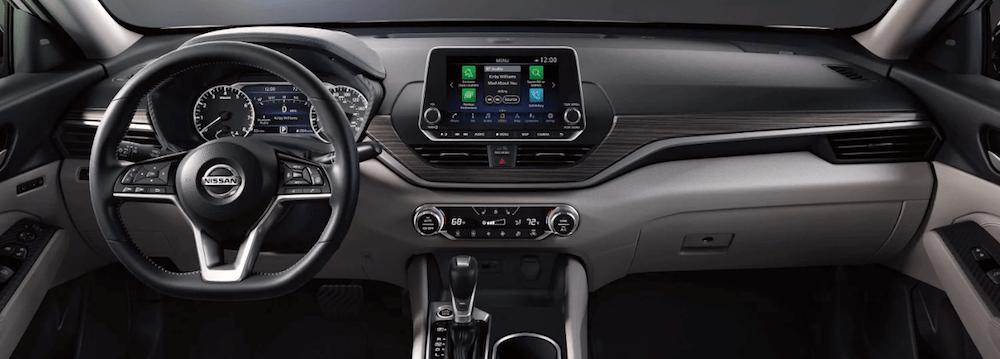 2019 Nissan Altima interior dashboard