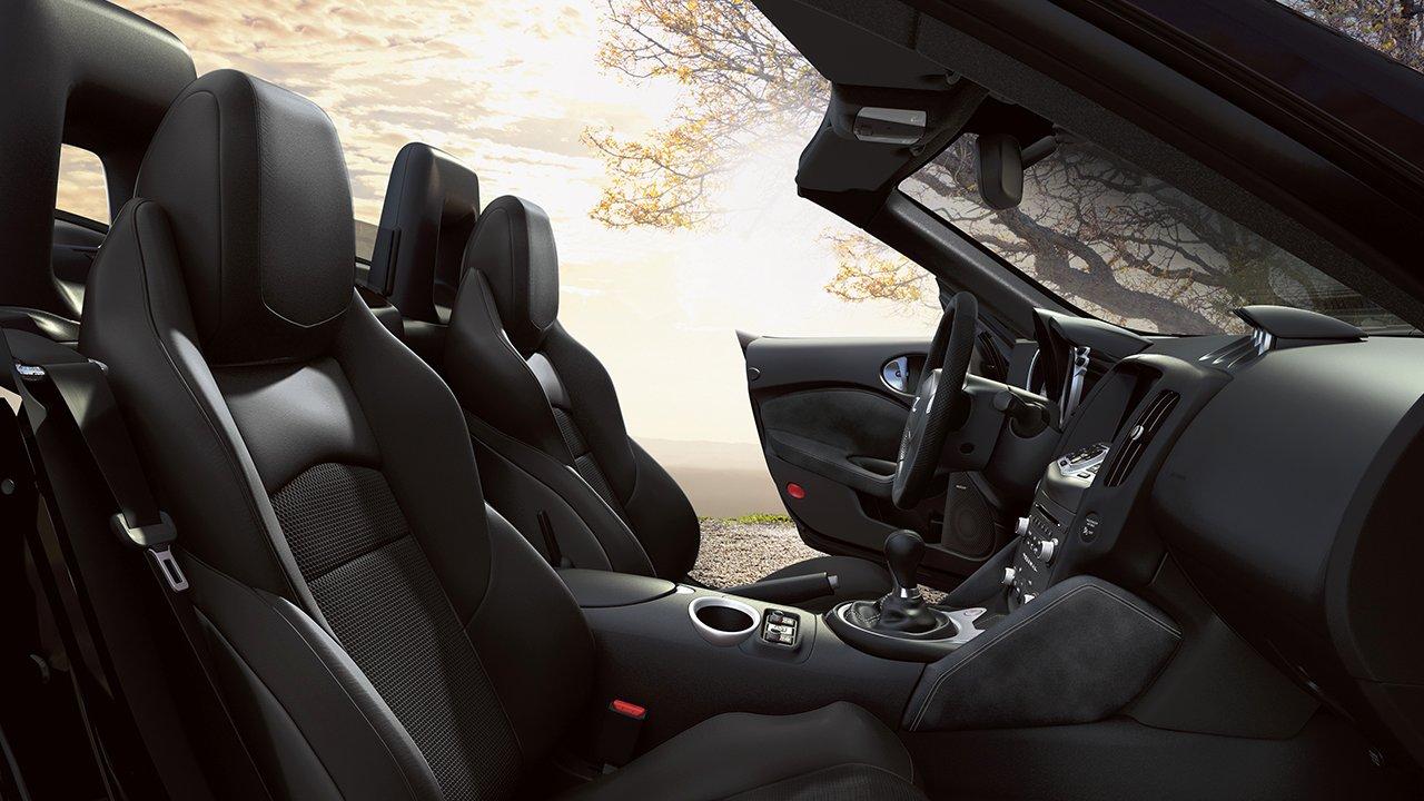 2017-370z-roadster-adjustable-driver-seat