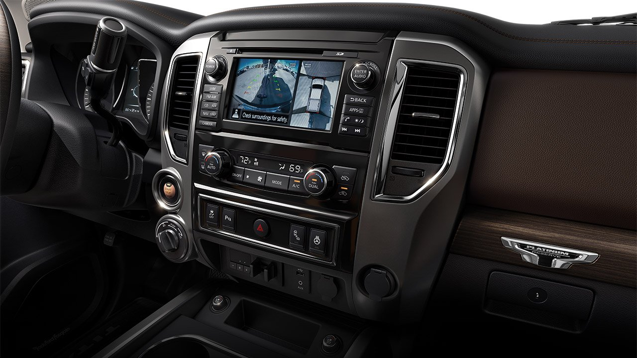 2017-nissan-titan-xd-interior-center-console