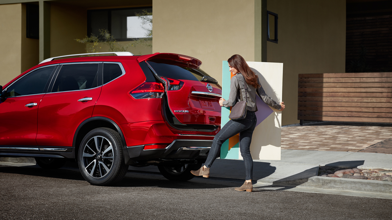 nissan-rogue-liftgate