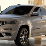 WHITE Jeep Grand Cherokee