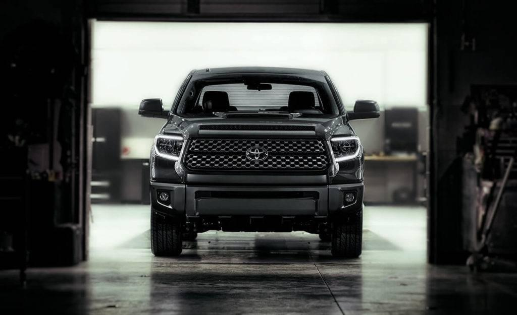2018 Toyota Tundra front view