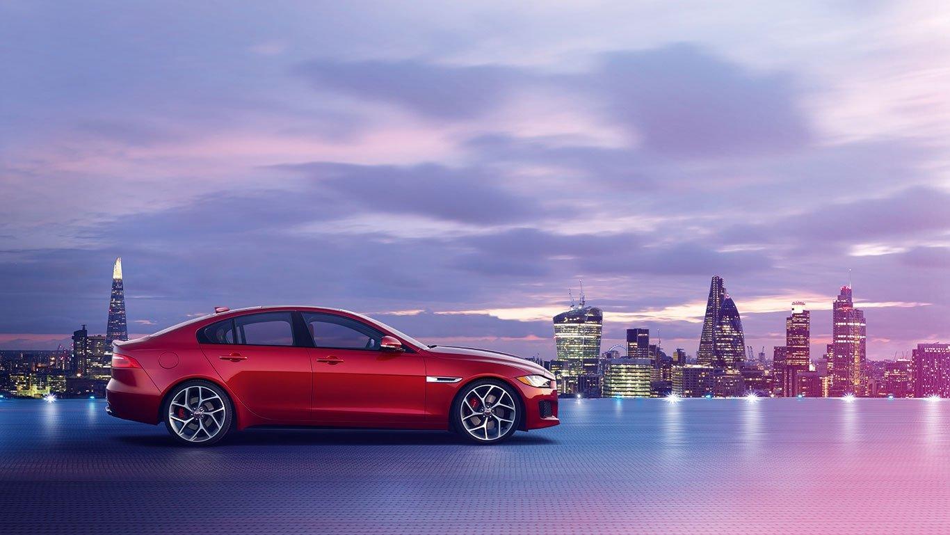 2018 Jaguar XE 1