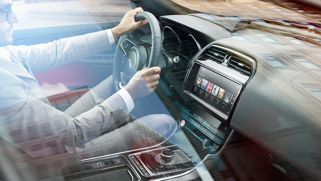 2019 Jaguar XE Interior 02
