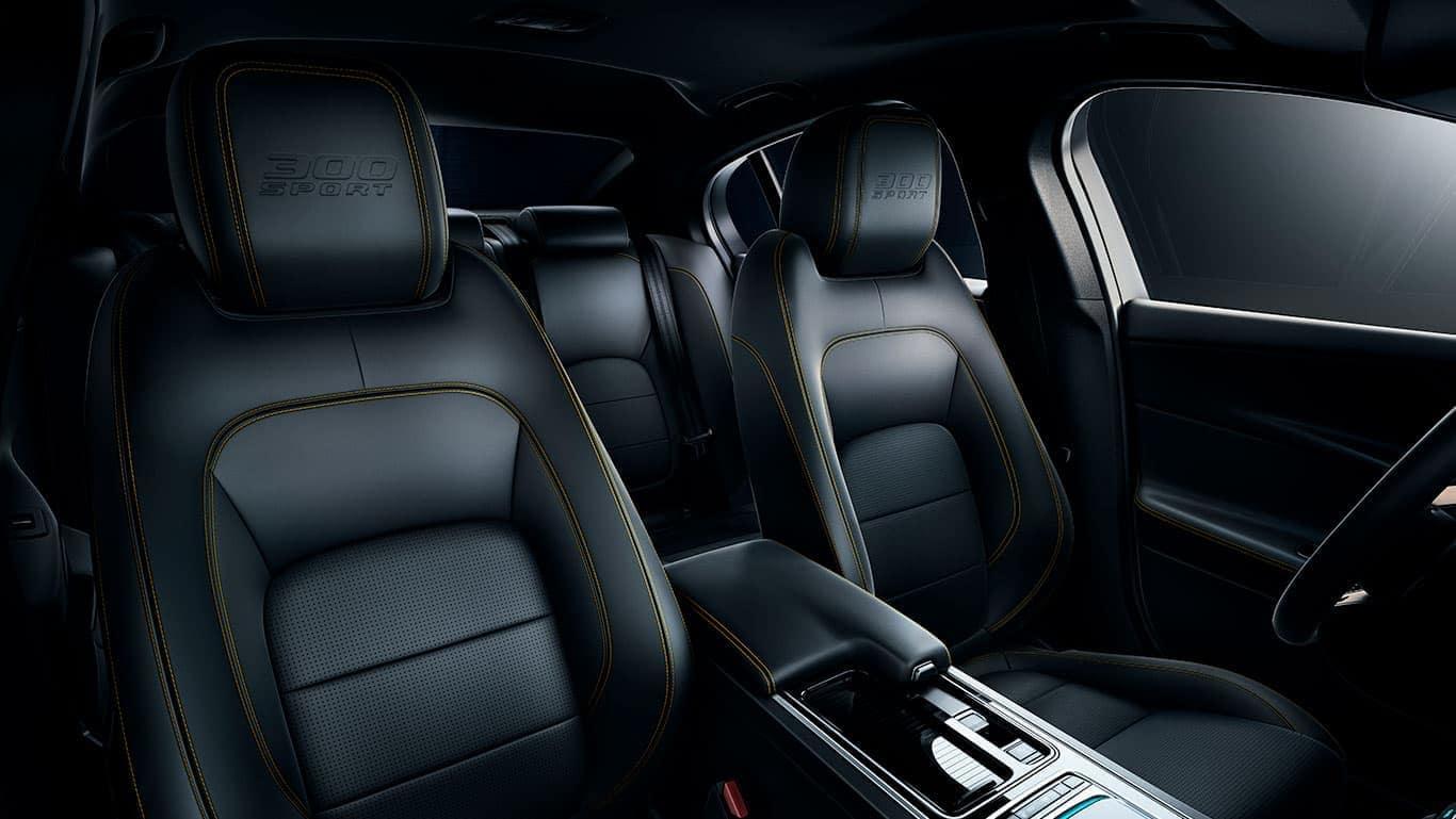 2019 Jaguar XE Interior 04