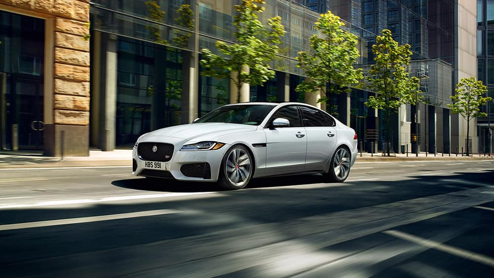 2019 jaguar xf luxury sedan exterior front side view