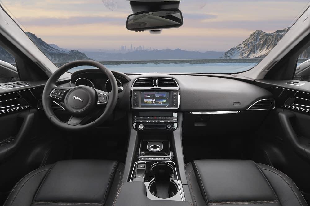 Jaguar F-PACE Interior Technology