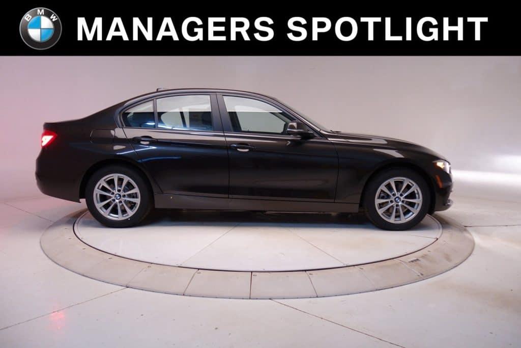 New BMW 2017 320i xDrive Sedan