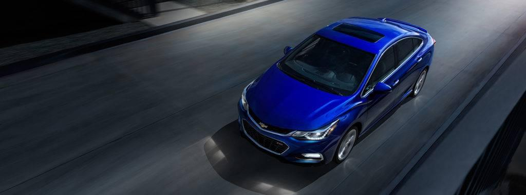 2017-chevrolet-cruze-compact-car-top
