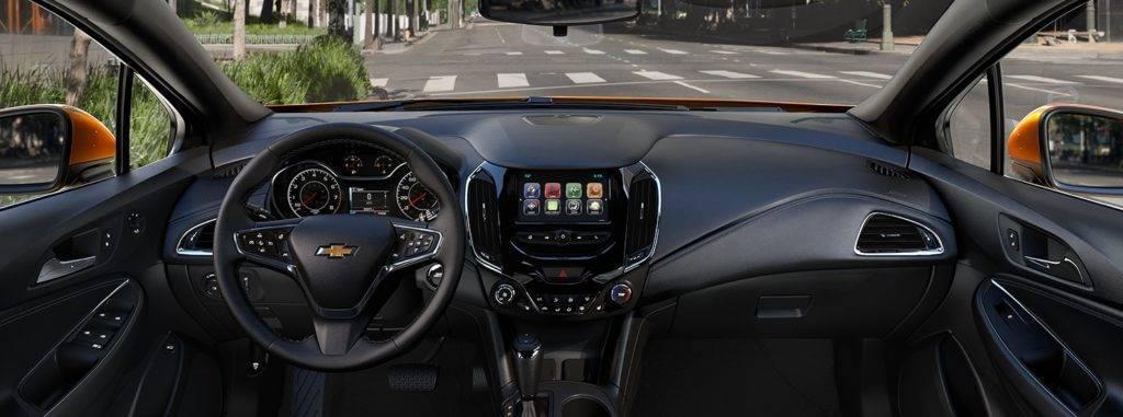 2017-chevrolet-cruze-hatchback-front-interior