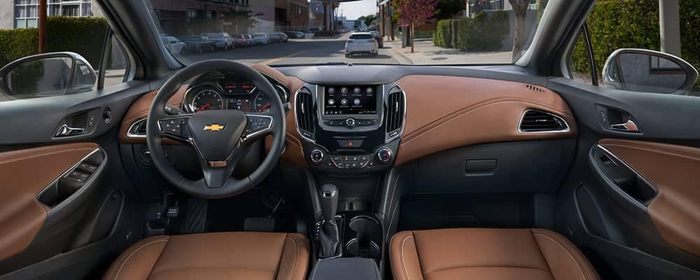 2019 Chevy Cruze Interior in black with brown leather.