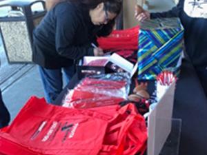 Food Depot Dec18-donating