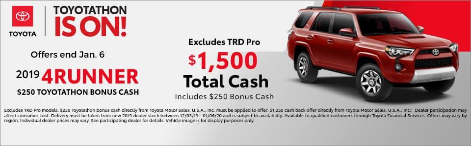 Voss Toyota: Toyota Dealer in Beavercreek serving Dayton