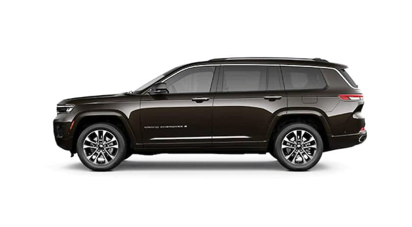 A black 2021 Jeep Grand Cherokee L is facing left.
