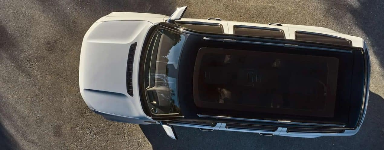 A white 2022 Wagoneer is shown from above.